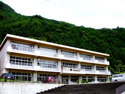 神流町立中里中学校